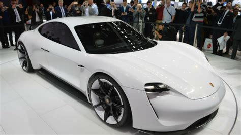 If Somebody Is Going To Make The Irobot 2 Film, This Car