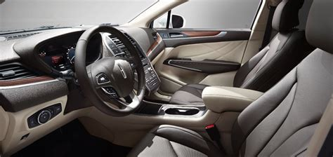 interior appointments  lincoln mkc exemplify commitment