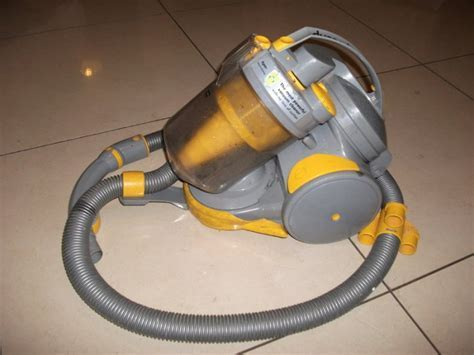 Dyson Dc05 Hoover For Sale in Skryne, Meath from Meathman