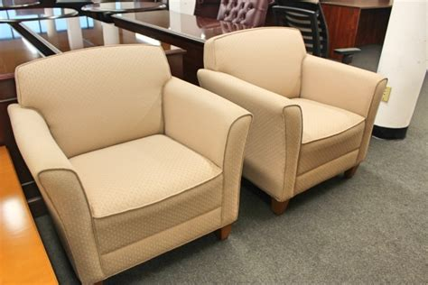 cream colored desk chair cream colored guest chairs guest chairs a affordable