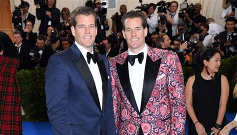 Dec 14, 2020 · the twins, who famously accused facebook ceo mark zuckerberg of stealing their idea. Twins who sued Facebook founder Mark Zuckerberg become Bitcoin billionaires   Newshub