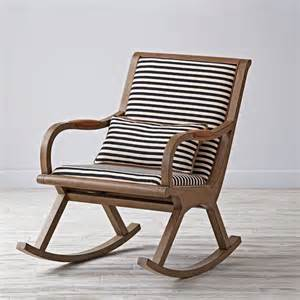 Nursery Rocker Chair by Best 25 Upholstered Rocking Chairs Ideas On Pinterest