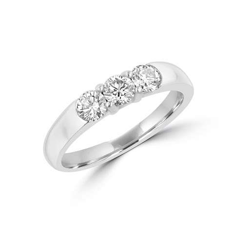pre owned trilogy diamond ring in platinum womens from