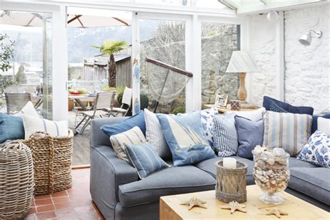 A Fishermans Cottage Designed With A Modern Vision by Fishermans Cottage By Ham Interiors Home Design And Interior