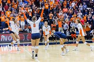 Illinois volleyball holds off Michigan in five-set win ...