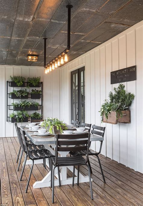 Fixer Upper's Most Ambitious Remodel Yet   Daily Mail Online