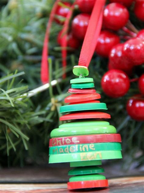 upcycle buttons    christmas ornament  tos diy