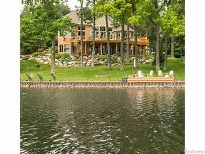 Independence Oakland County Lakefront home for sale Michigan