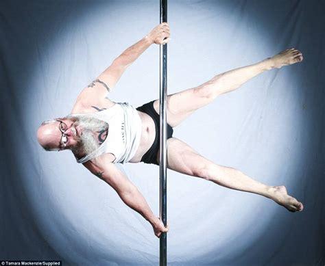 bureau photographe insolite à 55 ans cet homme est le roi du pole