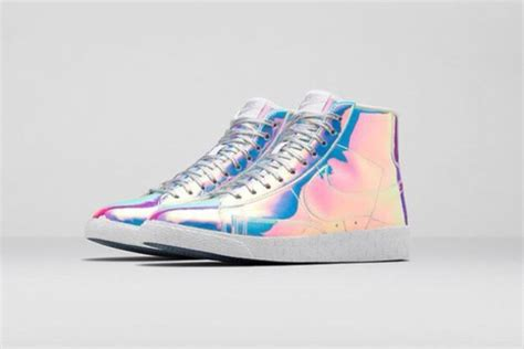 Holographic, Holographic Shoes, Nike, Nike Shoes