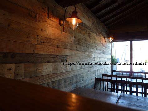 deco chambre avec palette bar décoration murale avec les palettes en bois pallet