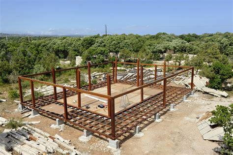fondation d une maison bois mobiteck constructeur bungalow kit