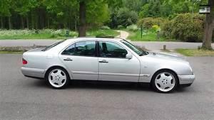 Mercedes 300 Td : mercedes benz e class 300 td start up drive in depth review interior exterior youtube ~ Medecine-chirurgie-esthetiques.com Avis de Voitures