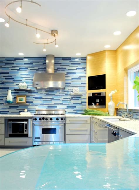 kitchen splash guard ideas splash guard for the kitchen 85 new ideas for the back of the kitchen wall interior design