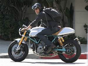 Ryan Reynolds hopped on his custom motorcycle after a ...