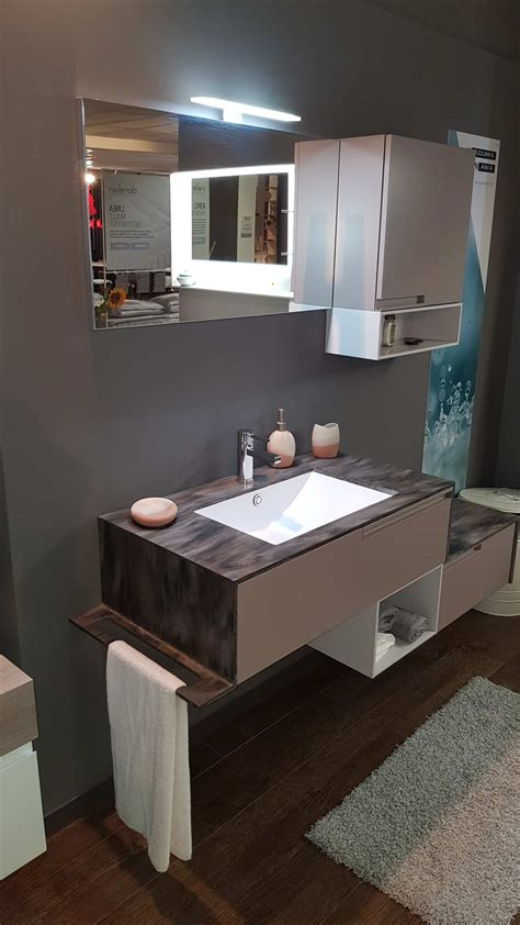 Outlet Mobile Bagno by Outlet Mobile Bagno Sospeso Con Top In Corian Arredo