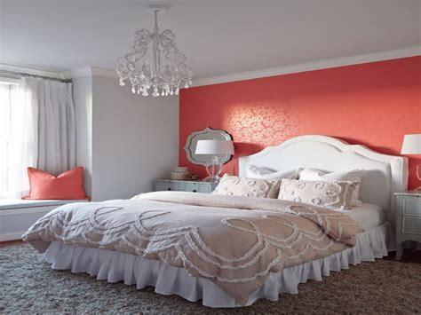 Decorating bedroom walls, coral and grey bedroom wall