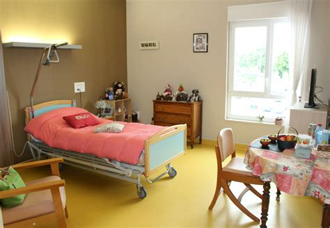 chambre ehpad simple la chambre duun ehpad with chambre