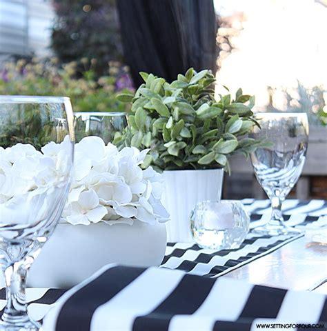 beautiful black  white tablescape