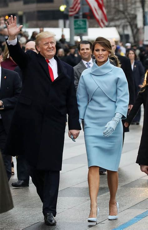 Невероятно стильное пальто Dolce & Gabbana Мелании Трамп...