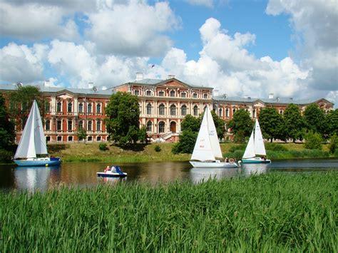 Nobalso par lielāko baroka pili Baltijā - Jelgavas pili un ...