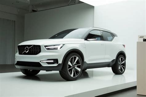 volvo xc small suv teased  offer  host