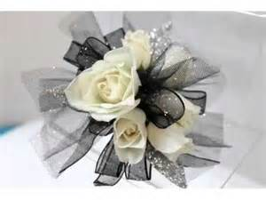 corsages for homecoming ideas of corsage white roses