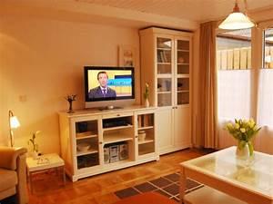 Wandfarben Wohnzimmer Beispiele : ferienhaus haus kormoran fehmarn frau margret peters ~ Markanthonyermac.com Haus und Dekorationen