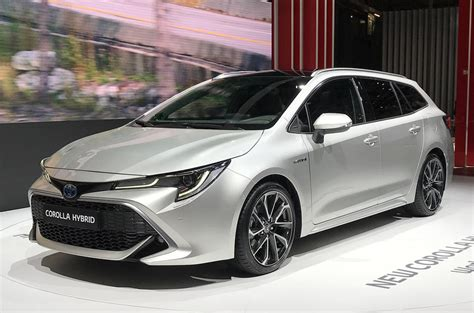 toyota corolla touring sports pricing revealed