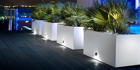 vasi esterno design arredare con i vasi design e architettura con il pollice