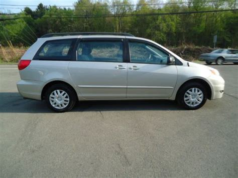 Buy Used 2006 Toyota Sienna Ce Mini Passenger Van 5-door 3