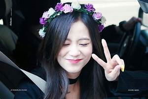 Jisoo + flower crowns | BLINK (블링크) Amino
