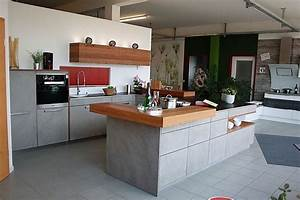 Küche Beton Holz : rempp musterk che beton front mit kupfereiche abgesetzt ausstellungsk che in weissach im tal ~ Markanthonyermac.com Haus und Dekorationen