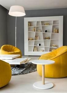 1001 idees de decors avec couleur moutarde des conseils With tapis de couloir avec canapé scandinave jaune moutarde