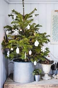 Tannenbaum Im Topf : tolle ideen wie man die kleine wohnung zu weihnachten verzieren kann ~ Frokenaadalensverden.com Haus und Dekorationen