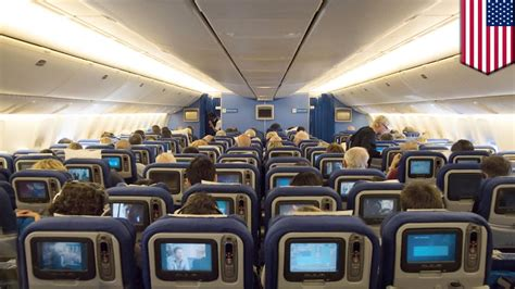 Boing 777 Interior by Boeing 777 Seating United Airlines 10 Abreast Plan Makes