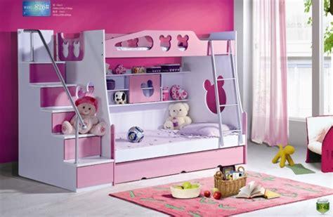 devenir femme de chambre lit superposé enfants avec des panneaux escaliers et les