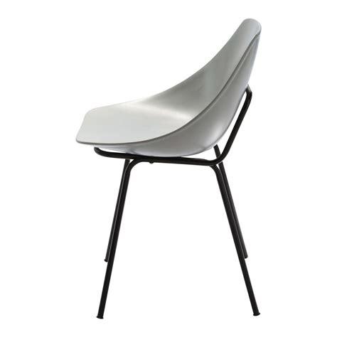 chaise en fibre de verre chaise guariche en fibre de verre et métal gris clair
