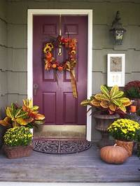 front door decorating ideas Get Into The Seasonal Spirit - 15 Fall Front Door Décor Ideas