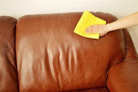 nettoyant canapé cuir un truc de grand mère pour nettoyer canapé en cuir