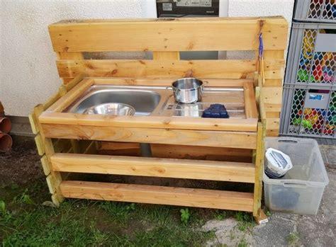matschtisch selber bauen matschtisch f 252 r kinder aus holz selber bauen anleitung matschtisch in 2019 gartentisch