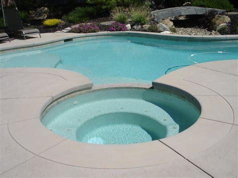 Pool Builder's Enchanting Garden Swimming Pool