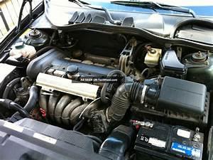 1999 Volvo V70 Base Wagon 4