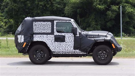 Jeep With Two Doors by 2018 Jeep Wrangler Two Door On Road Testing