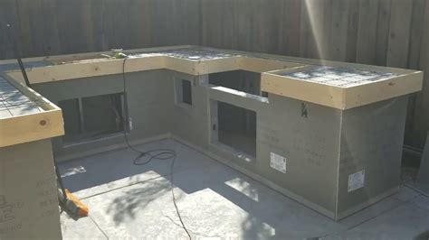 How to make pour in place Concrete countertops on my bbq