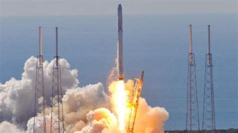 SpaceX: Nach dem Start der Rakete regnete es Trümmer - WELT