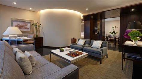 tokyo luxury hotels marunouchi boutique hotel  seasons