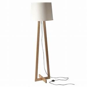 Lampe Sur Pied En Bois : lampe pied triangulaire scandinave abat jour blanc ~ Dailycaller-alerts.com Idées de Décoration