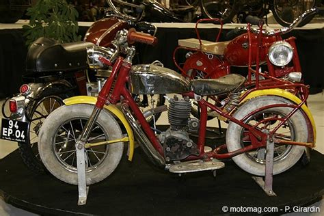 moto ancienne le salon retromobile  vaut le