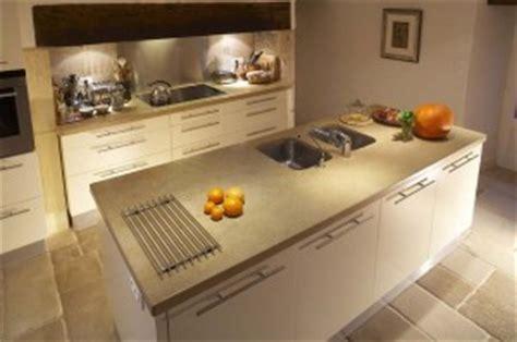 ilot cuisine inox evier de cuisine le bon emplacement evierdecuisine eviercuisine